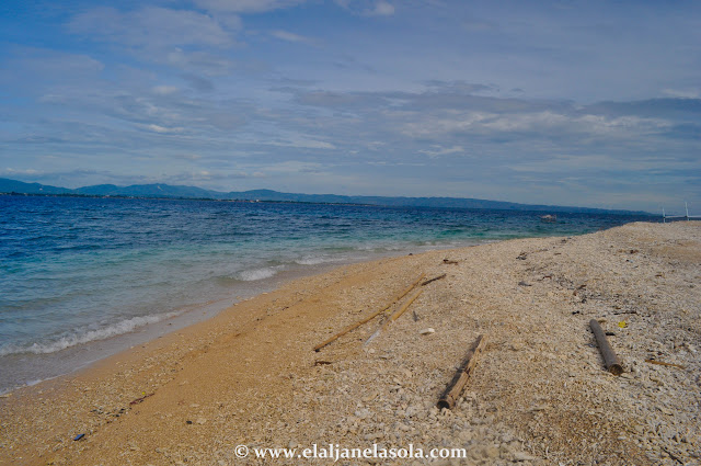 Manadi aka White Island | Occidental Mindoro