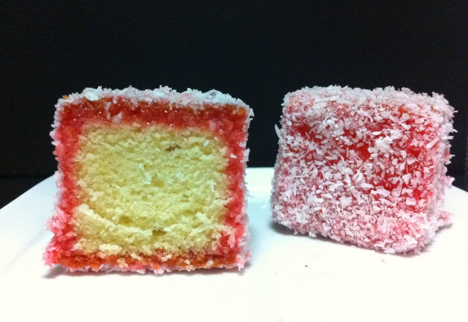 Red Jelly Cake Recipe: CookingNotes: Christmas Lamingtons