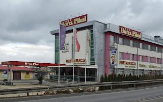 http://fotobabij.blogspot.com/2016/02/puawy-ullubelska-budynek-hotelu-pikul.html