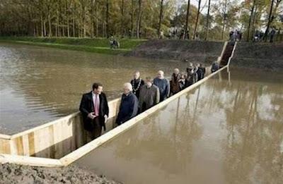 Jembatan Moses (Moses Bridge) Belanda