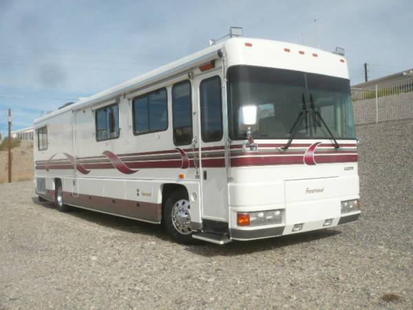 used rvs 1998 foretravel u295 40 feet motorhome for sale for sale by owner. Black Bedroom Furniture Sets. Home Design Ideas