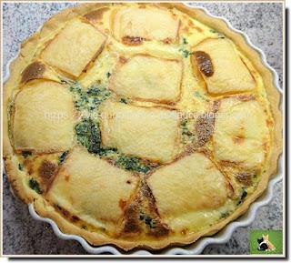Vie quotidienne de FLaure : Tarte, aux épinards, recouverte de tranches de fromage à raclette
