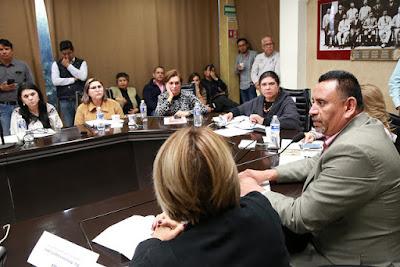 Escuchan legisladores situación de estancias infantiles
