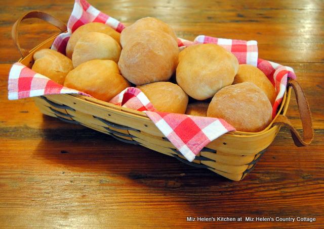 Beirocks (German Stuffed Bun) at Miz Helen's Country Cottage
