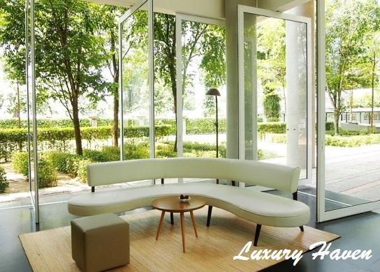 lone pine hotel penang lobby sofa