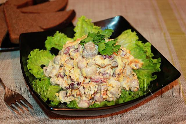 рецепт салата с курицей, фасолью и грецкими орехами