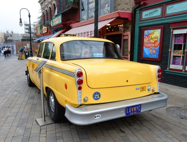 Blue Collar yellow NYC taxi