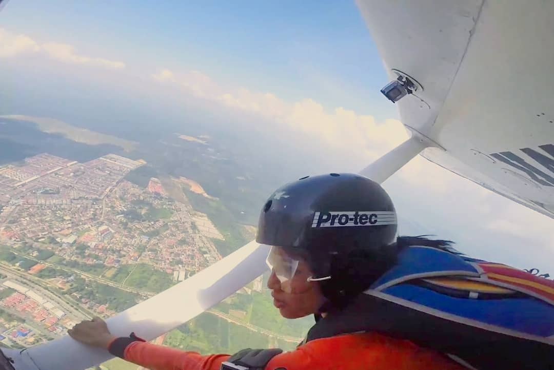 Static line skydiving in Malaysia - Ummi Goes Where?