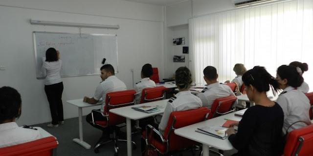 تعلن وزارة النقل على فتح باب القبول للدراسة في اكاديمية العراق للطيران وعلى نفقة الوزارة