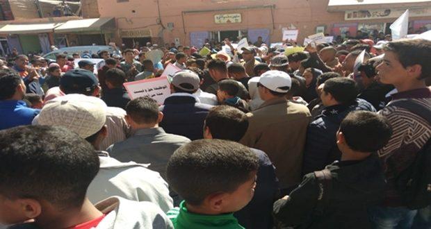 درعة تافيلالت..الإضراب يشل المؤسسات التعليمية والنقابات تقاطع لقاء والي الجهة
