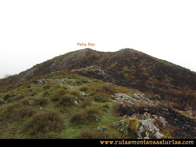 Ruta de las Xanas y Senda de Valdolayés: Llegando a la cima de Peña Rey