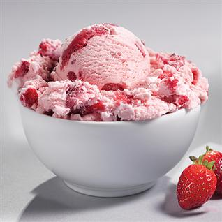 Membuat Es Krim Tanpa Mesin ice cream strawberry