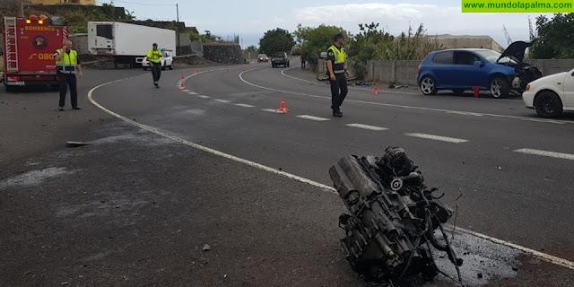 Un coche perdió el motor en un accidente en Los Llanos de Aridane