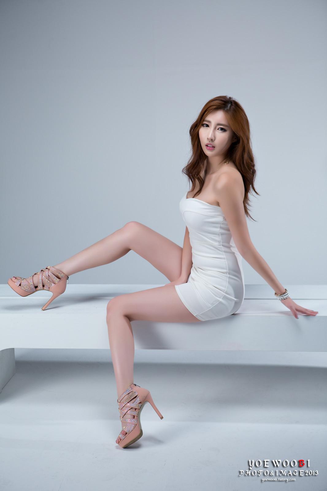 Tacones asiáticos de piernas bonitas
