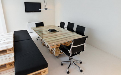 Office Furniture Made With Wooden Pallets
