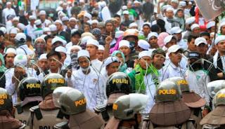 Waduh .. GMBI  Desak Presiden Untuk Segera Bubarkan FPI - Commando