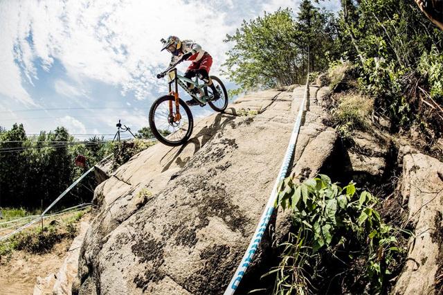 2016 Mont Sainte Anne UCI World Cup Downhill: Qualifying Rachel Atherton