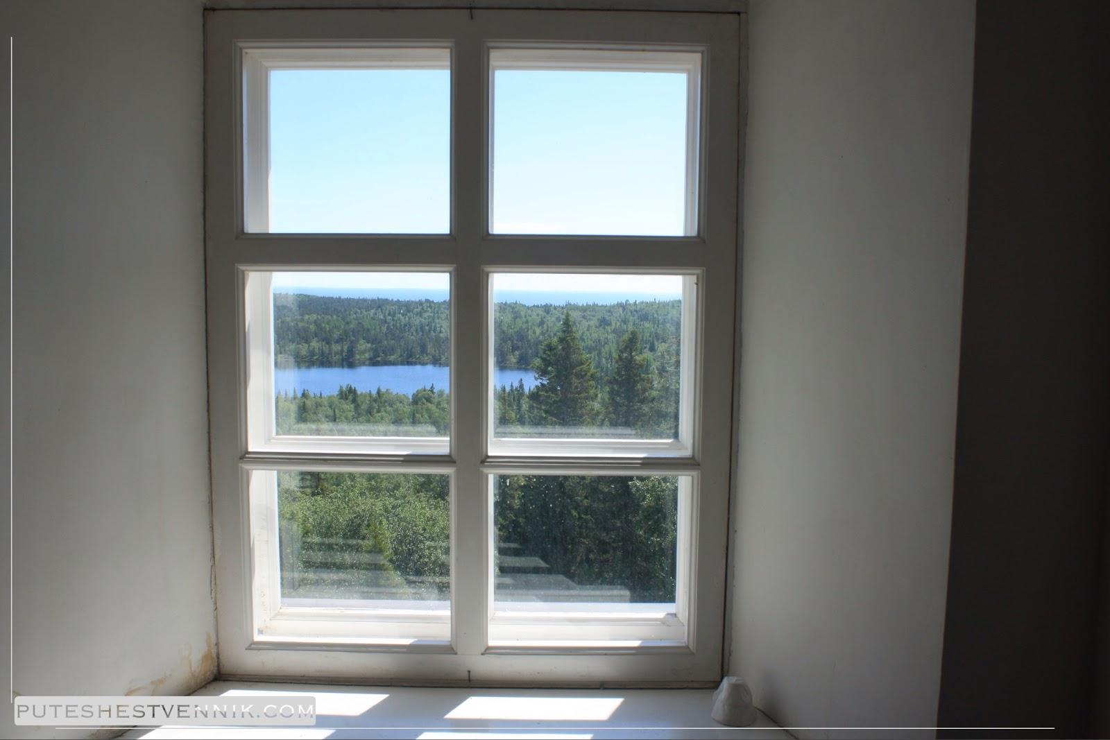 Вид на природу острова Анзер из окна храма