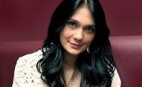 Luna Maya Sebagai Pemeran Maira di film Sabrina