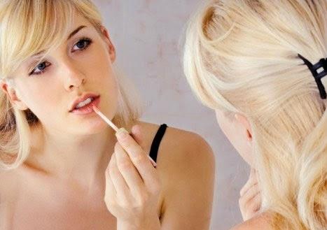 Tips Merawat Bibir yang Kering dan Pecah-pecah