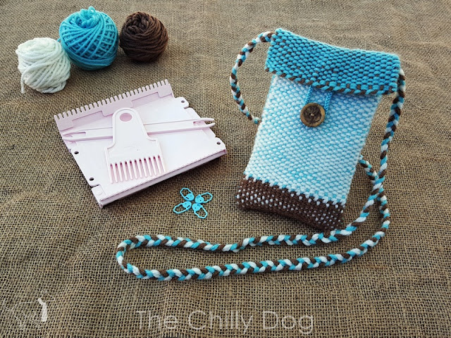 Learn how to weave a simple mini purse with the Clover Mini weaving Loom.