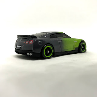 Julian's Hot Wheels Blog: Guaczilla 2 0 | 2017 Nissan GT-R