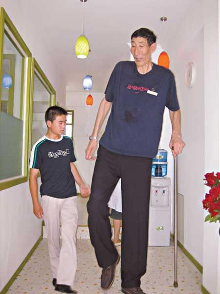 cool boys pics amazing pics world s tallest man ever seen