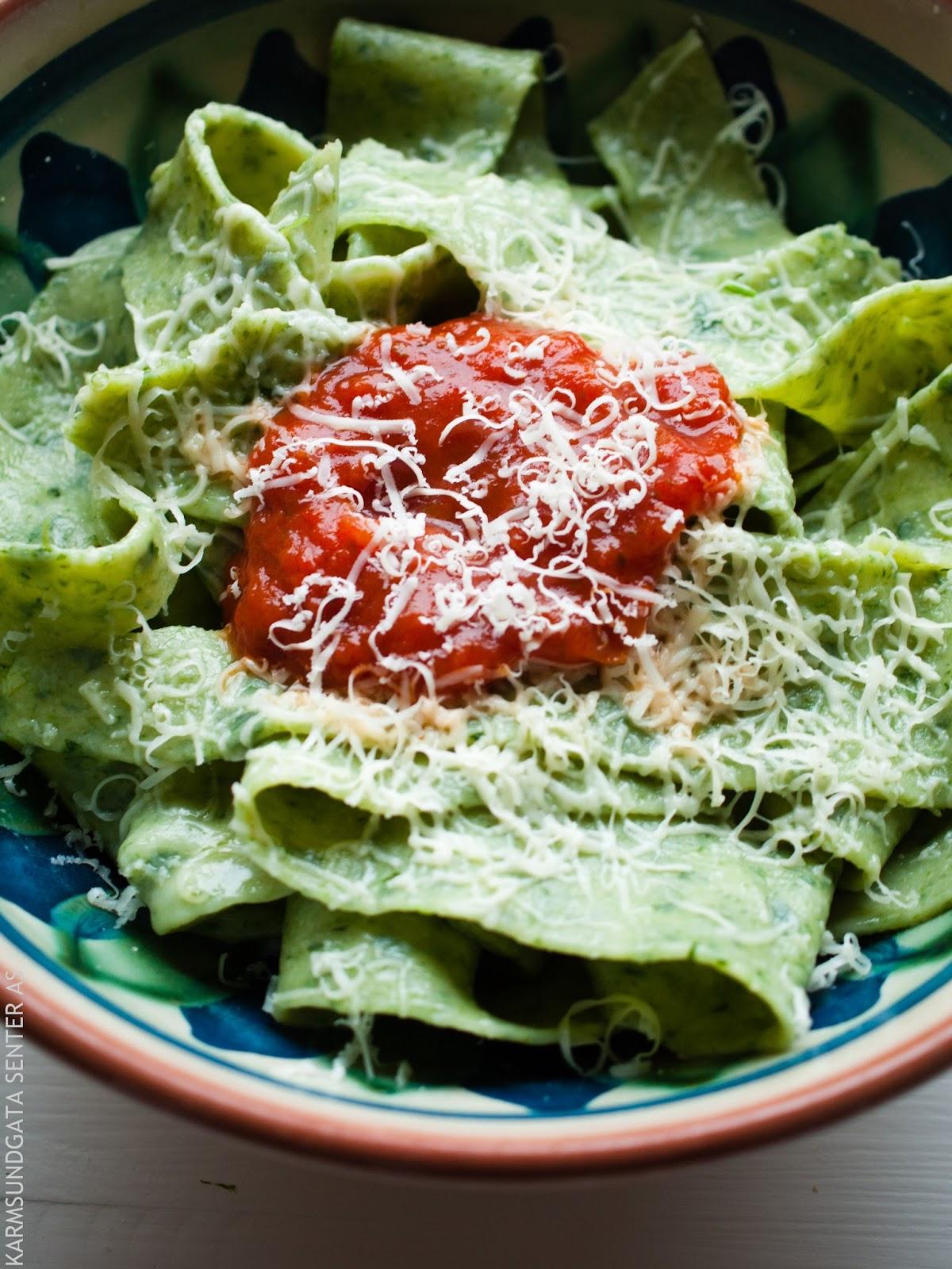Hjemmelaget spinatpasta