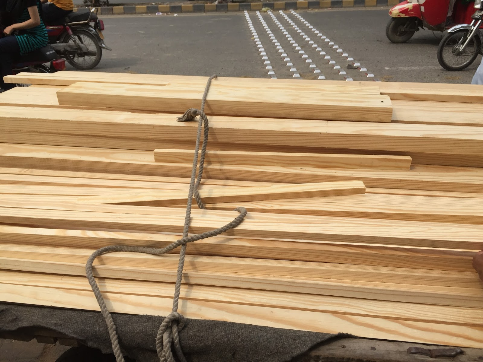 Ittihad Timber Lahore Pakistan Types of wood with prices in Pak Rupees