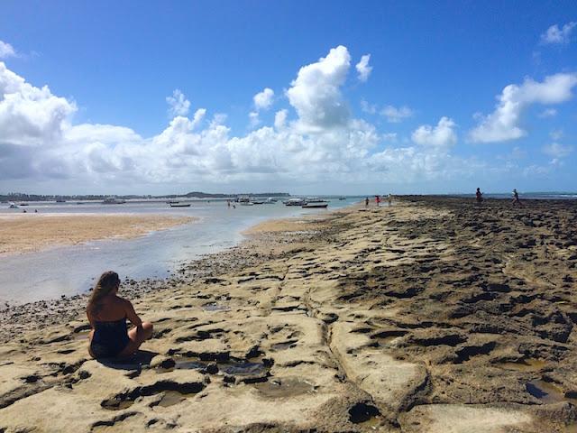 Praia de Carneiros - Paredão de recifes com a maré mais baixa