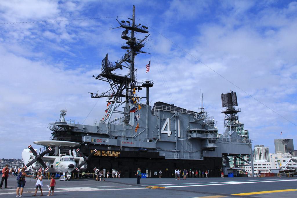 AVCR8TEUR'S PHOTO BLOG: USS Midway Museum