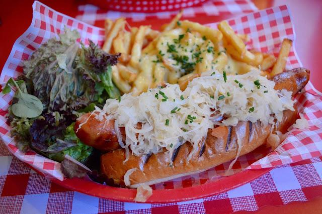 New Yorker Hotdog JB's Diner