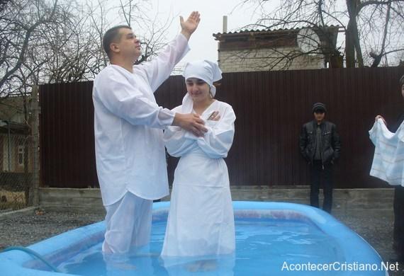 Ex satanista ruso se convierte en pastor