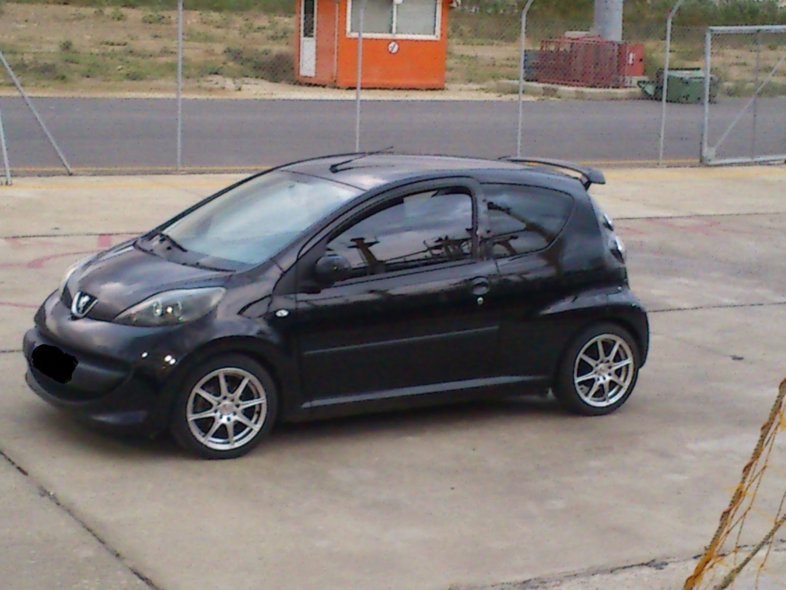 citybugblog my107 a nice peugeot 107 from crete. Black Bedroom Furniture Sets. Home Design Ideas