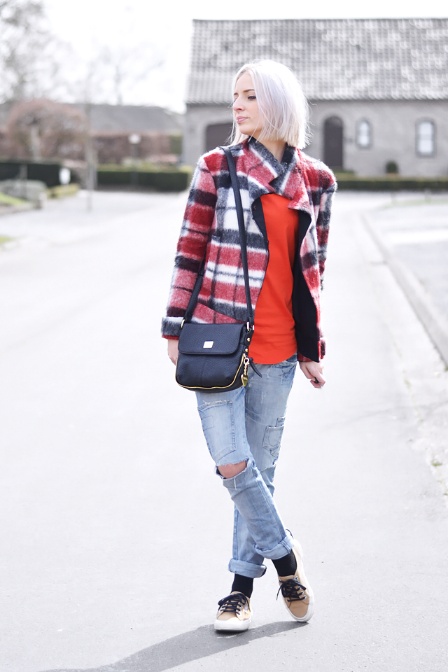 Tartan jacket, zara, cross body bag, marc b, ripped jeans, superga, camel, sneakers, fashion, trends 2015