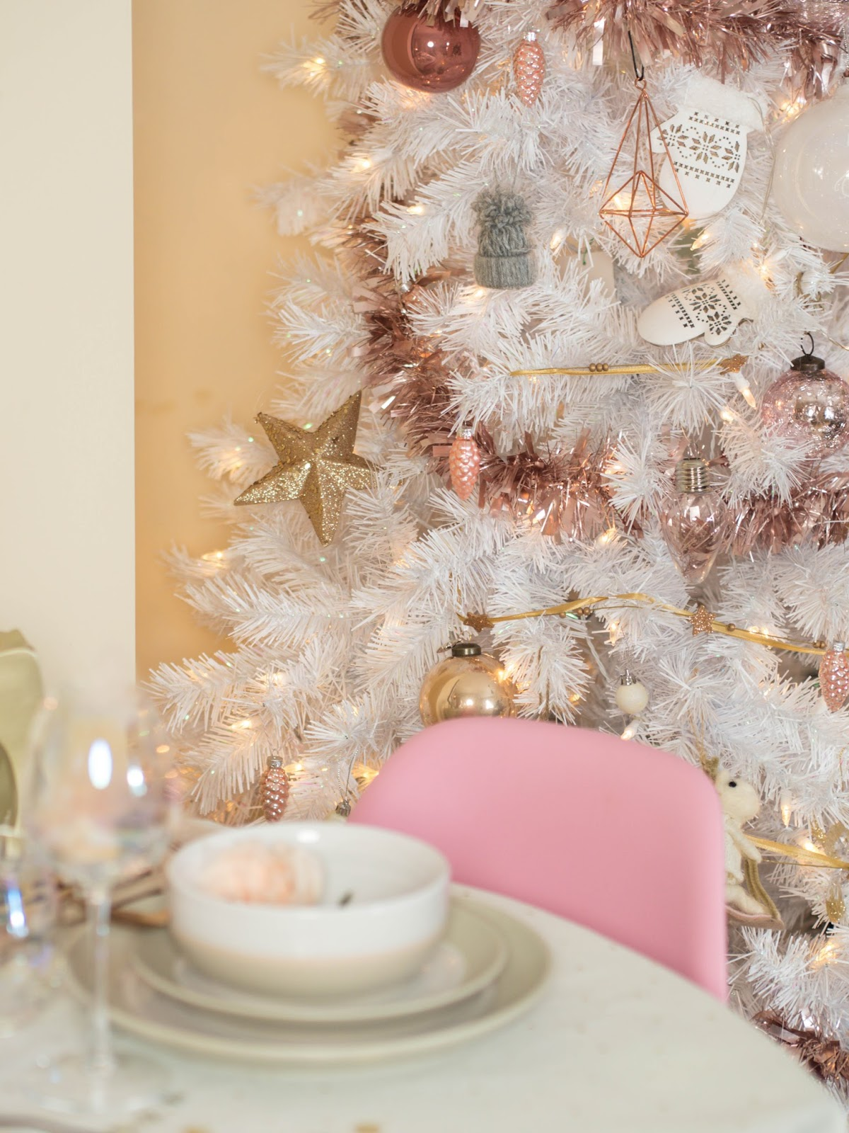 White christmas tree with pink decorations - White Christmas Tree With Pink Decorations 42