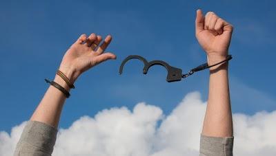 A Justificação pela fé – livres da culpa ~ Cantinho dos Evangélicos