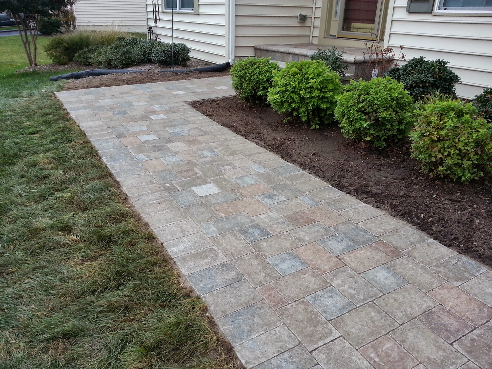 Life Time Pavers: Chiseled Paver Front Walkway