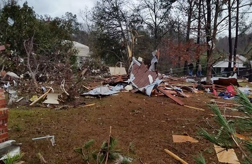 2014_Mississippi_tornado_damage_photo