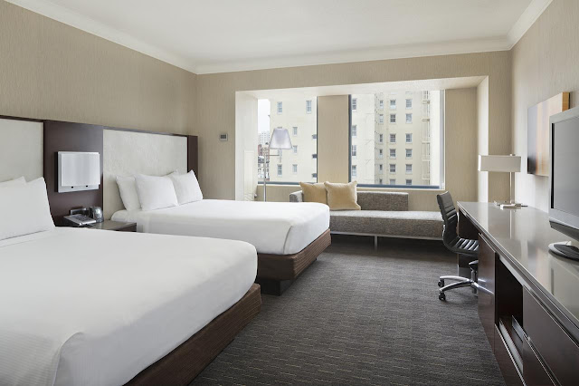Hilton San Francisco Union Square, located in the Theater District, puts you in walking distance to cable cars and Moscone Center and about 1 mile from Chinatown and Nob Hill.