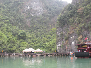 Halong Baie d'Halong grottes