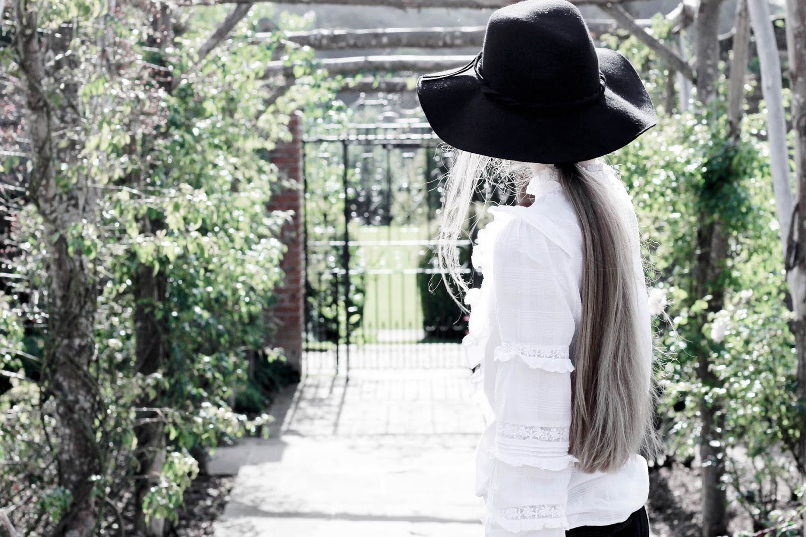 Styling Victoriana White Blouse in Autumn