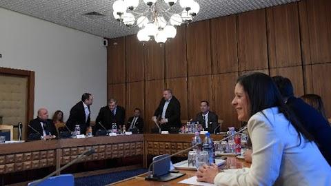 Határozatképtelen volt a nemzetbiztonsági bizottság ülése