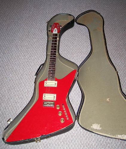 1980s Cort Effector, Explorer Body Shape: Front