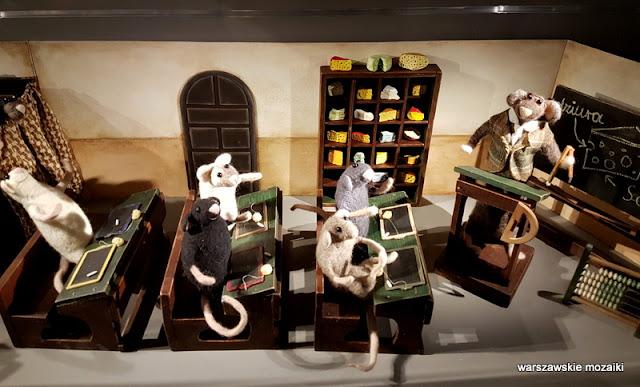 Warszawa Warsaw warszawskie muzea PKiN lalki zabawki domki dla lalek