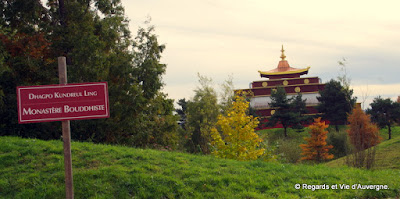 Monastère Dhagpo Kundreul Ling, Auvergne, France.