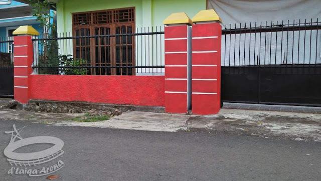 Aplikasi Cat Warna Merah Pada Tembok (Eksterior)