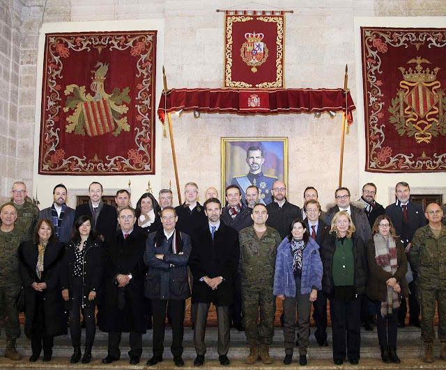 O general Gan Pampols recebe à imprensa da Comunidade Valenciana.