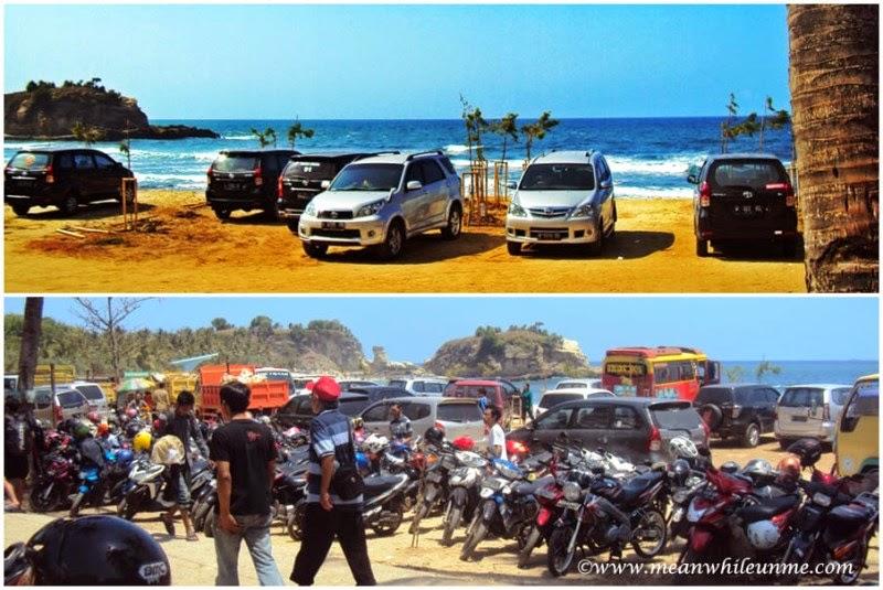 Pantai Klayar Pacitan parkiran motor dan mobil