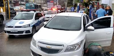 Carro roubado na Avenida San Martin é recuperado pela Guarda Civil Municipal de Salvador (BA)